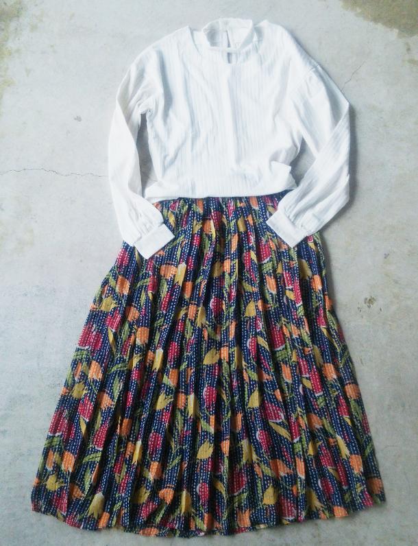 イタフラ秋の感謝祭!絶対お得な2点セット☆シンプルなトップス×レトロ花柄スカート