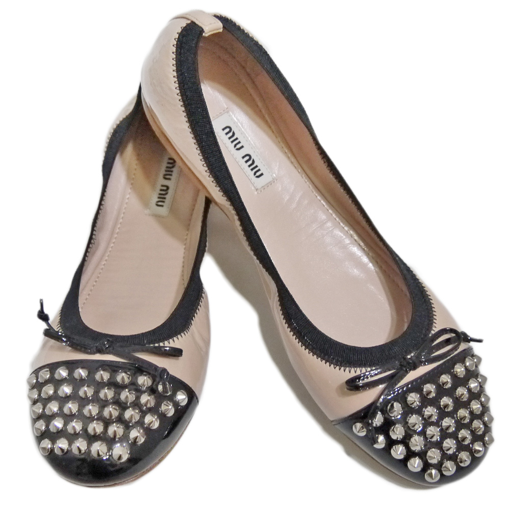 ミュウミュウ スタッズ バレエシューズ(靴) ベージュ×黒 #36 miu miu