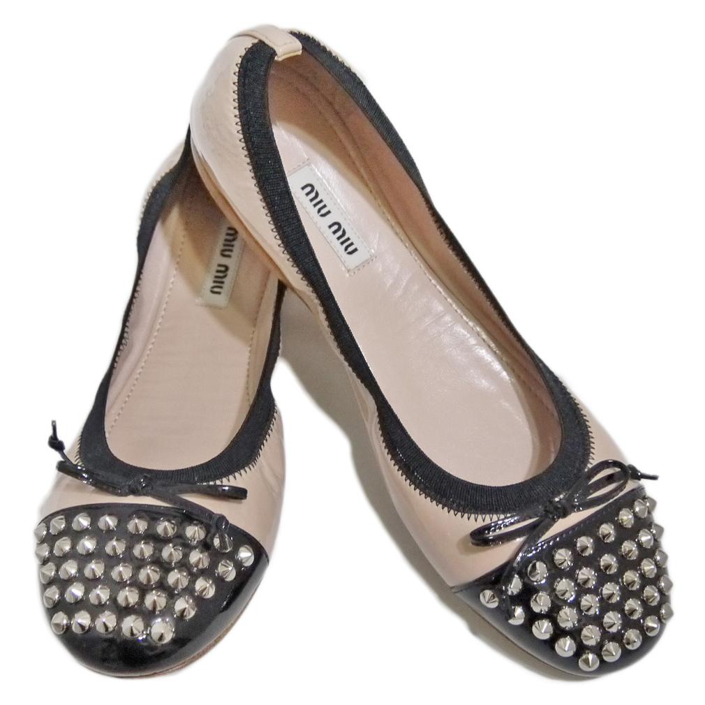 ミュウミュウ スタッズ バイカラー バレエシューズ(靴) ベージュ×黒 #36 miu miu