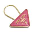 プラダ サフィアーノレザー 三角ロゴキーホルダー ピンク×ゴールド PRADA