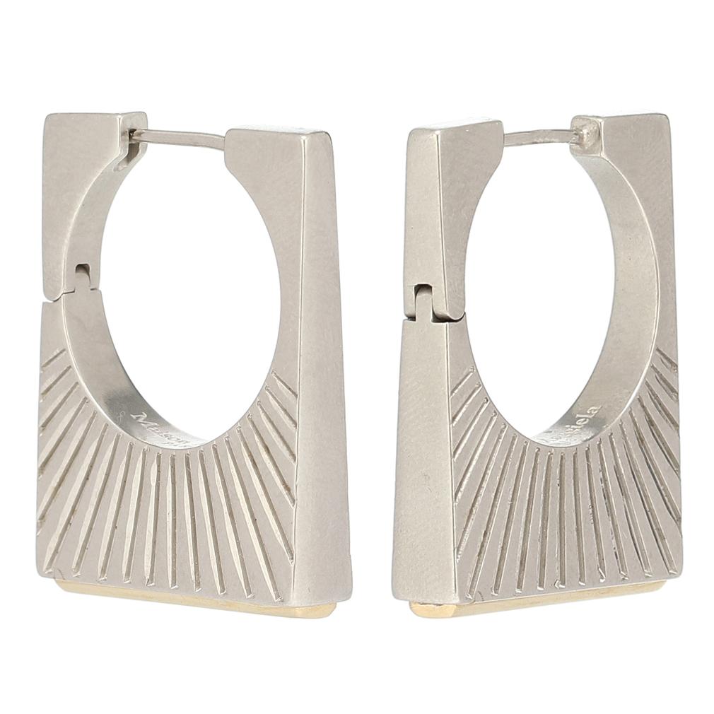 メゾンマルジェラ Versailles earrings エングレーブ ピアス シルバー MAISON MARGIELA