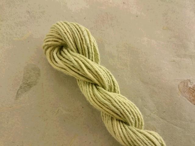 オリーブ染め 糸 うぐいす 緑