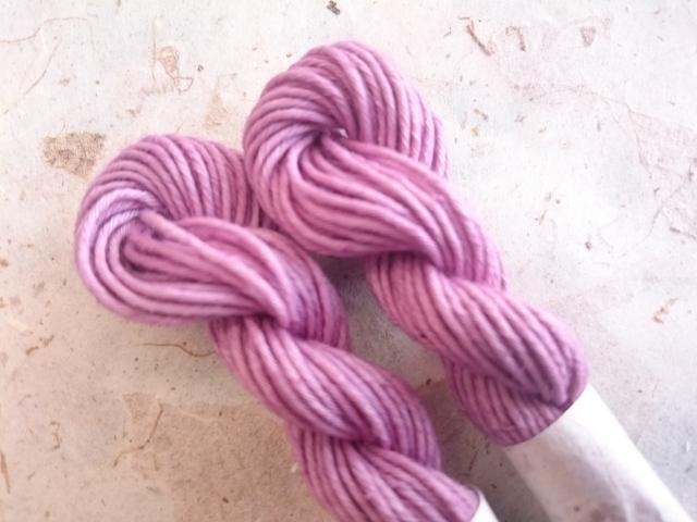 草木染 紫 糸 淡