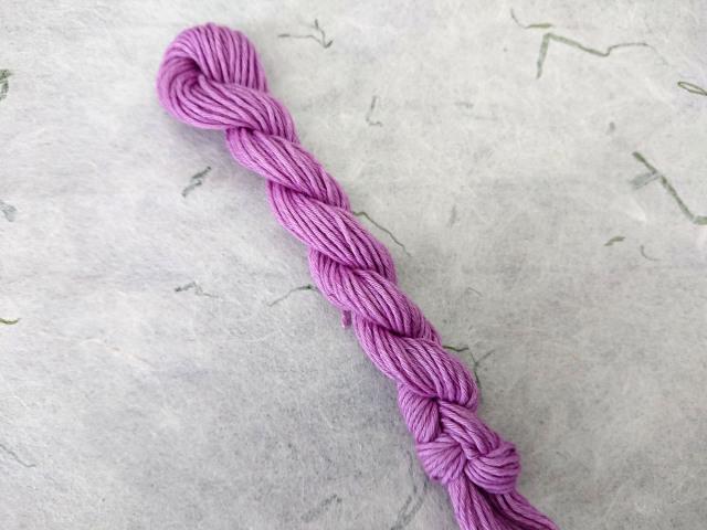 紫 草木 染 糸 コチニール