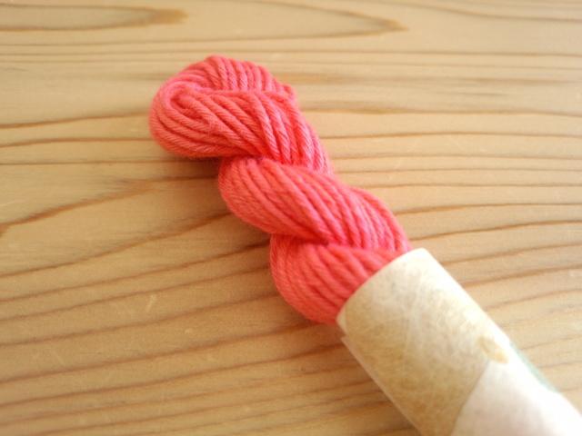 紅花 染め 糸