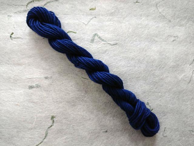 藍 染 糸 奄美