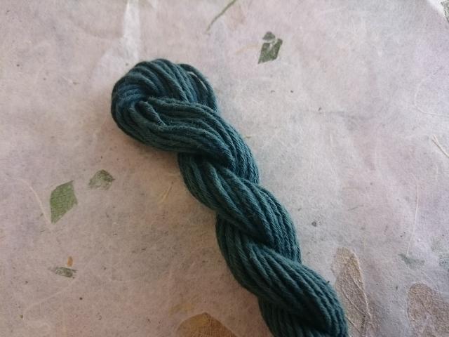 草木染 糸 緑