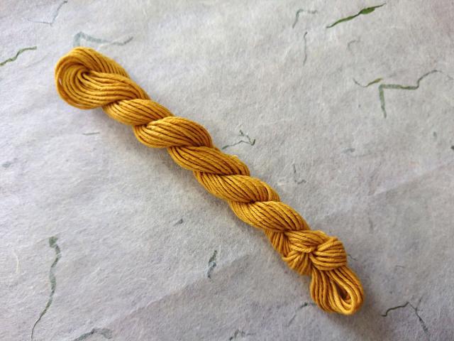 マリーゴールド 染め 糸 黄金 色