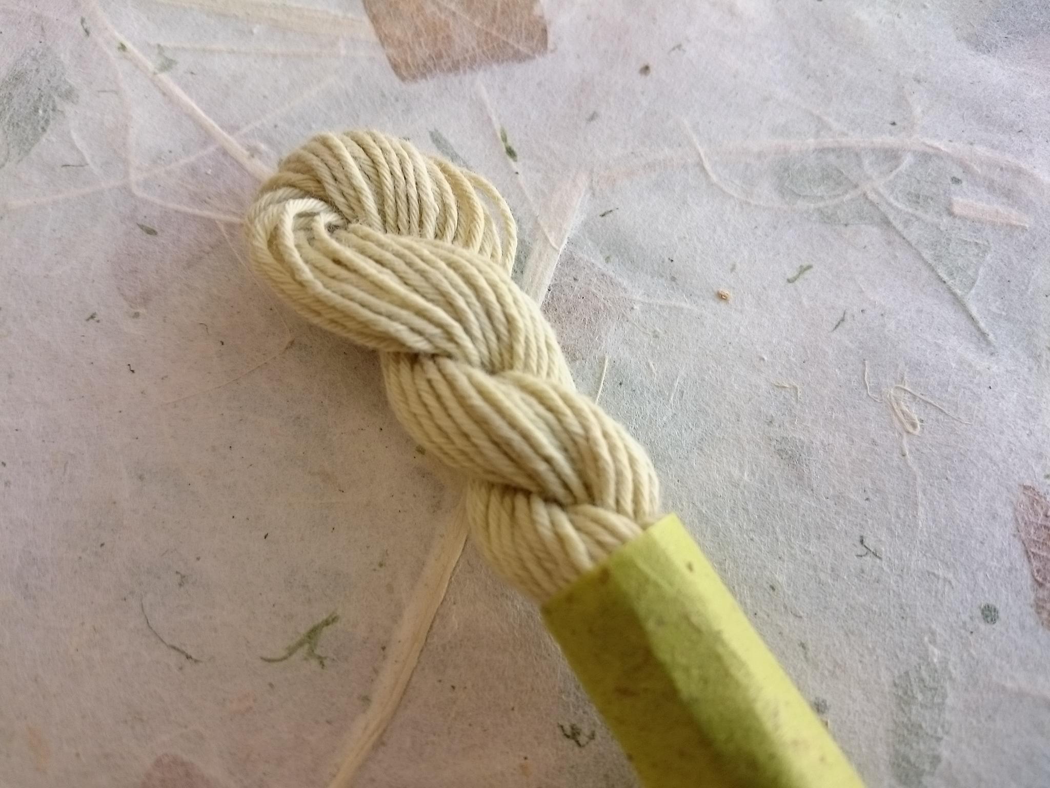オリーブ 染め 糸 緑 若芽