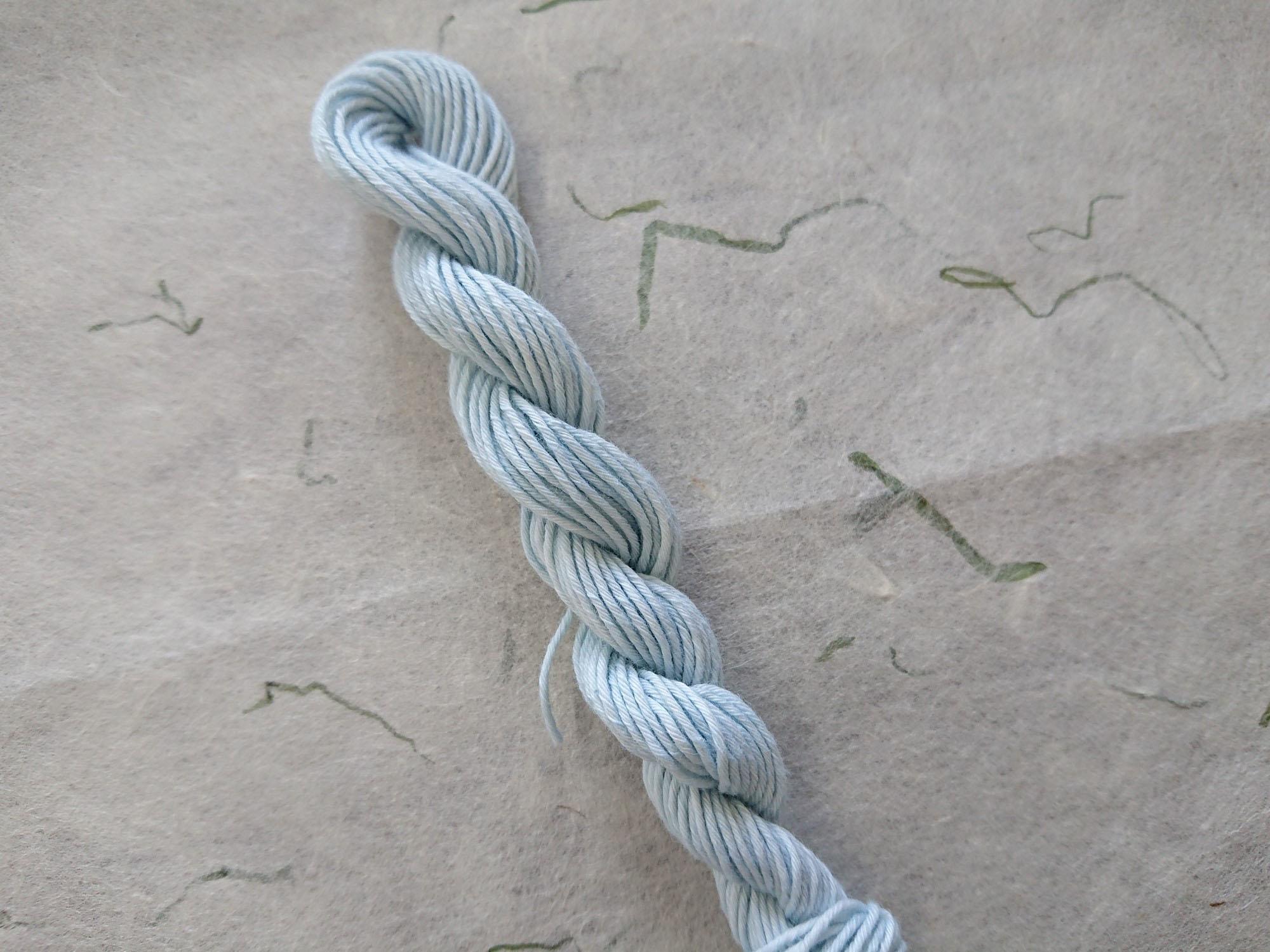 藍 染 糸 水色