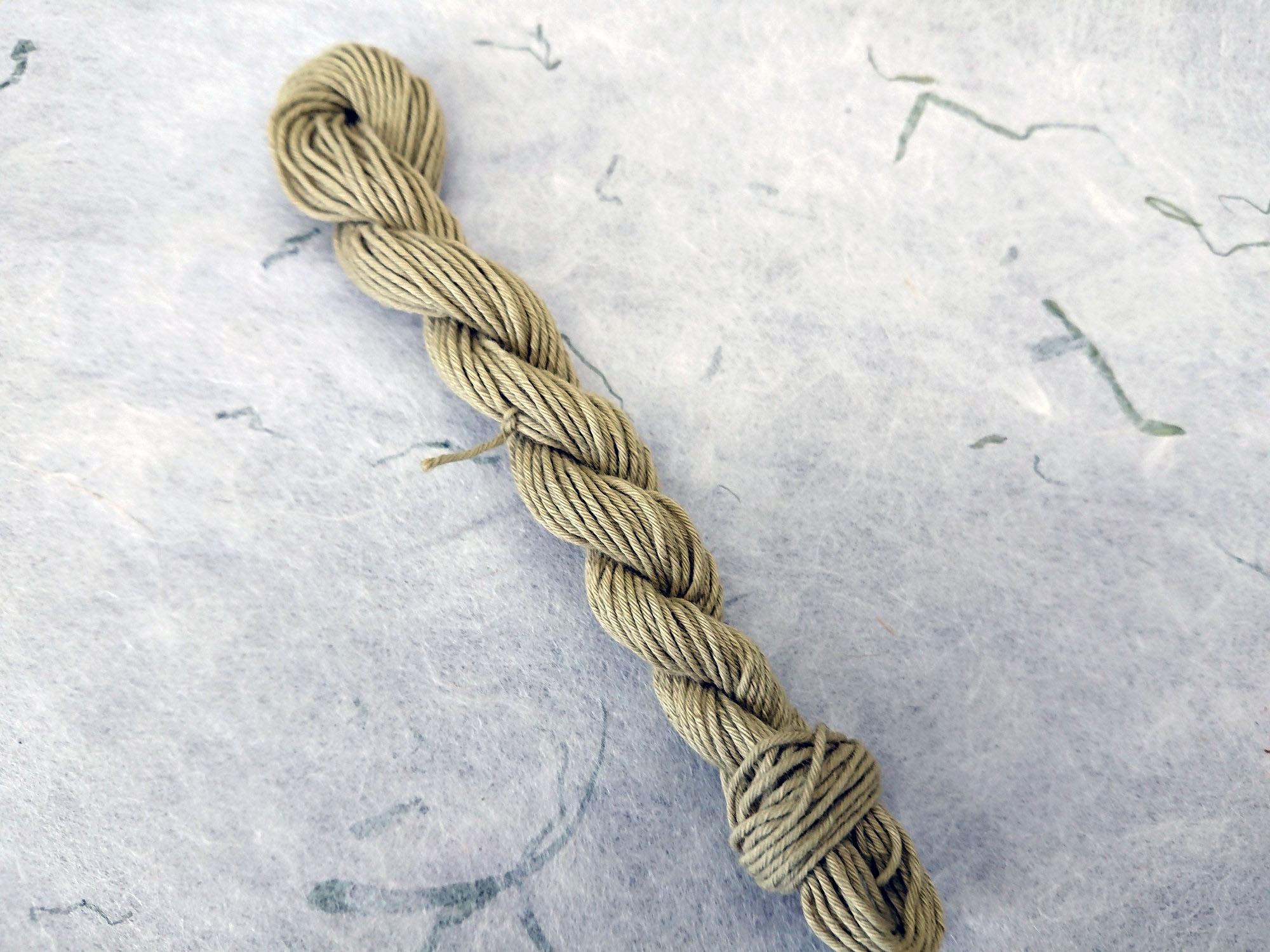 よもぎ 染 糸