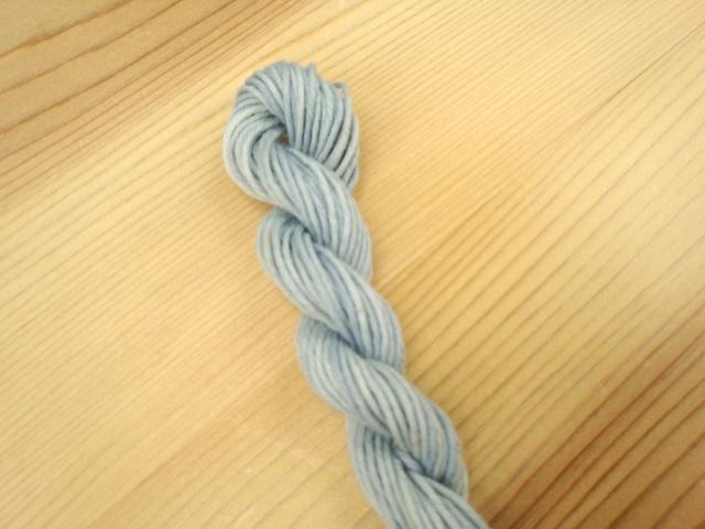藍染め 綿糸 水浅葱