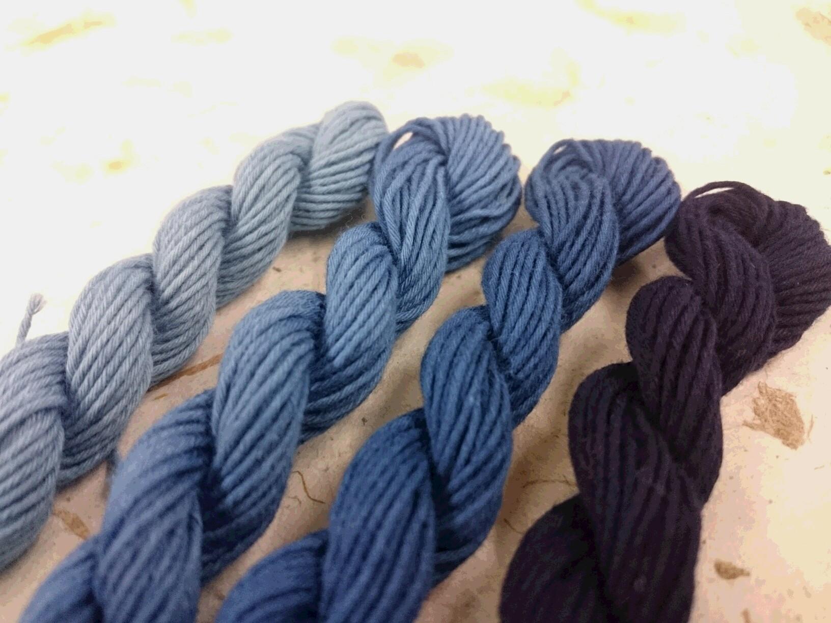 本 藍 染 糸