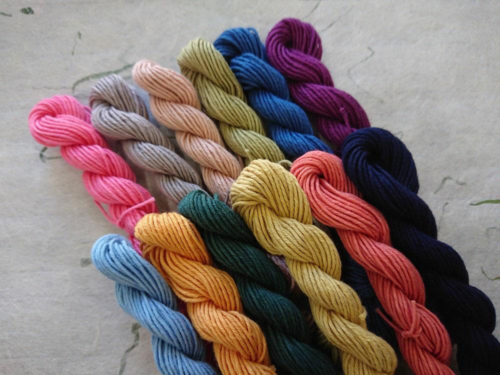 暦の彩 草木 染 糸 12色