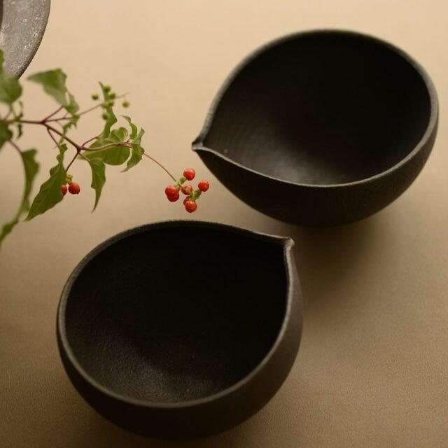 橋本忍 錆黒(sabikuro)片口小鉢