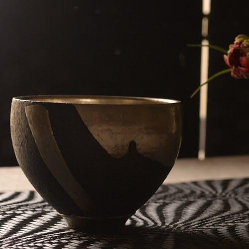 橋本忍 皹黒プラチナ彩碗 *1点モノ