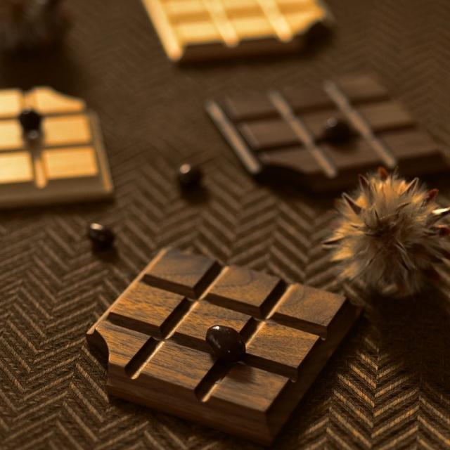 ふるいともかず 木製板チョコ コースター