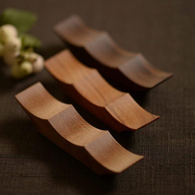 大澤真琴 天然木 箸置き(カトラリーレスト)波