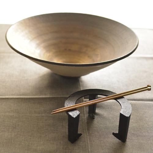 橋本忍 赤鋼皹化粧 火鉢 五徳、真鍮箸、灰のセット品
