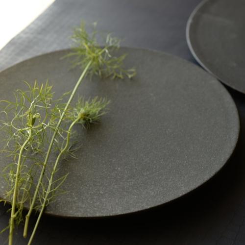 大野香織 黒釉プレートL(26cm)