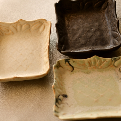 紫蓮 型押し菓子皿 square