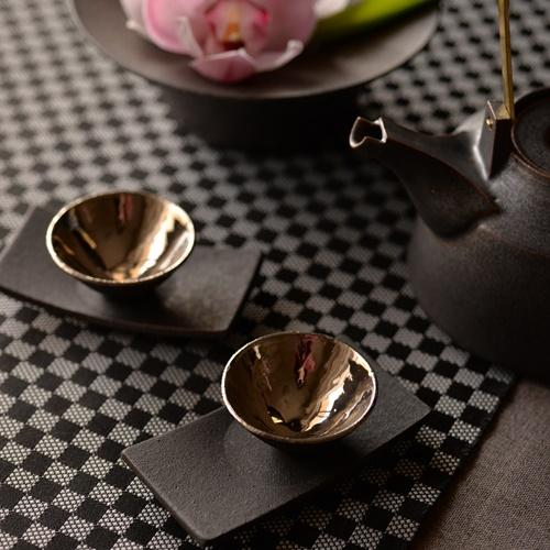 錆黒プラチナ彩茶杯