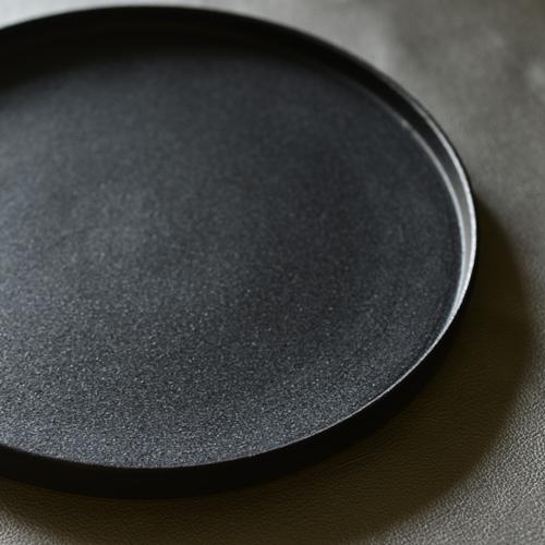 小野俊 黒鉄釉 フラットプレート
