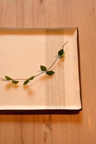 十草正方皿22.5cm