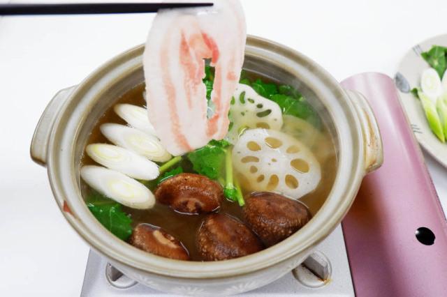 【くんぺるランチ便】うまみエキスたっぷりスープで食べる伊達の純粋赤豚しゃぶしゃぶ!_11