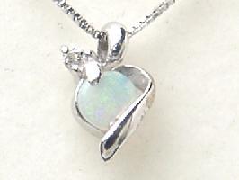 10月の誕生石 オパール K18WGオパール・ダイヤモンド・ネックレス