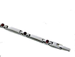 SWAROVSKI 501 チタン ブレスレット MARE (キュービックジルコニア・ルビー色)