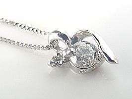 ちっちゃくて可愛い4月の誕生石 K18WGダイヤモンド・ネックレス
