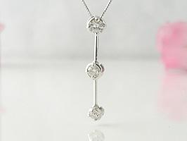 K18WG(ホワイトゴールド)クロスダイヤダイヤモンドネックレス
