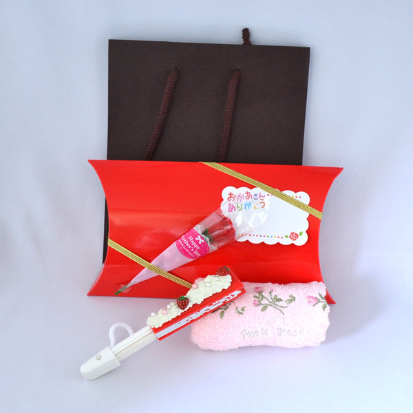 いちごのショートケーキデザイン 扇子(せんす) 花柄 ハンカチ付 母の日 母 誕生日 記念日 プレゼント ギフト ラッピング付 y150037