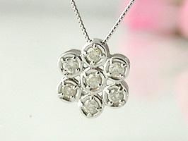 お花がキュートK18WG(ホワイトゴールド)お花形ダイヤモンドネックレス