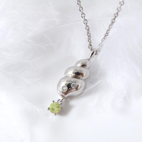揺れるペリドット(8月誕生石) ダイヤモンドネックレス 幸せの貝形シェルペンダントネックレス【納期約1-2週間】