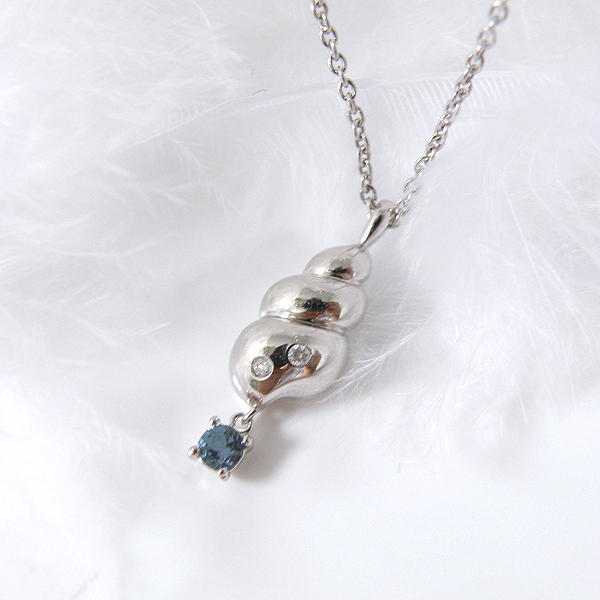 揺れるサファイア(9月誕生石) ダイヤモンドネックレス 幸せの貝形シェルペンダントネックレス【納期約1-2週間】
