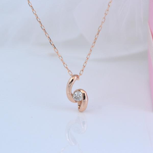 K10PG ひねりがきれいな ダイヤモンド プチネックレス