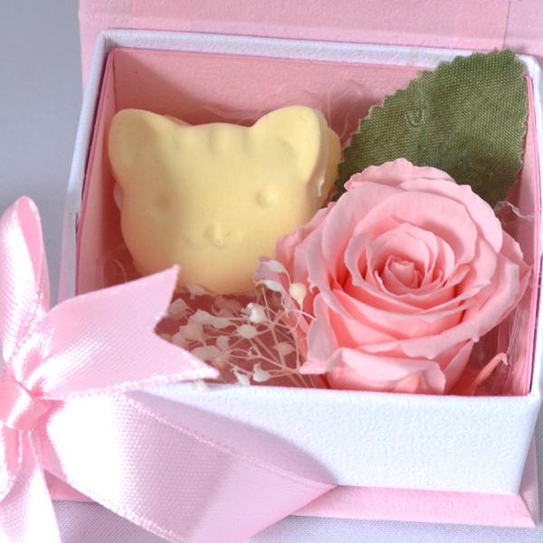 プリザーブドフラワー かわいい ネコ 猫 バラ リボンケース ピンクポーチ付き (ギフトラッピング手提げ袋付)