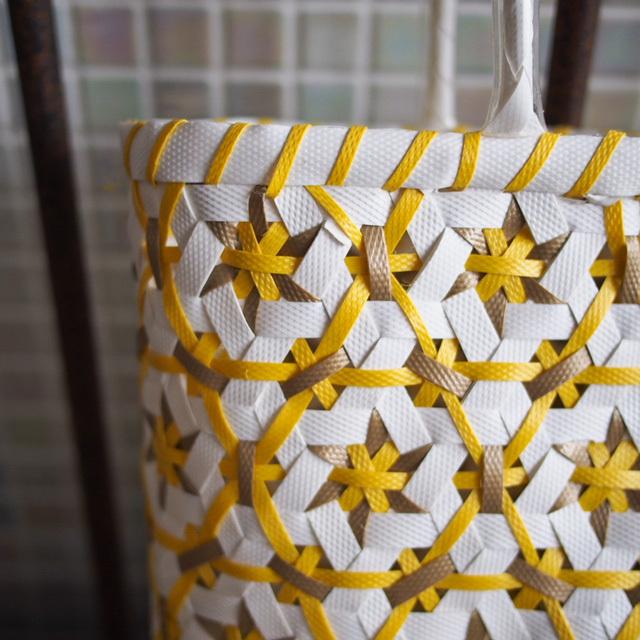 B0059  花まる★なでしこのプラカゴ M(白×ベージュよりの金色×黄色)