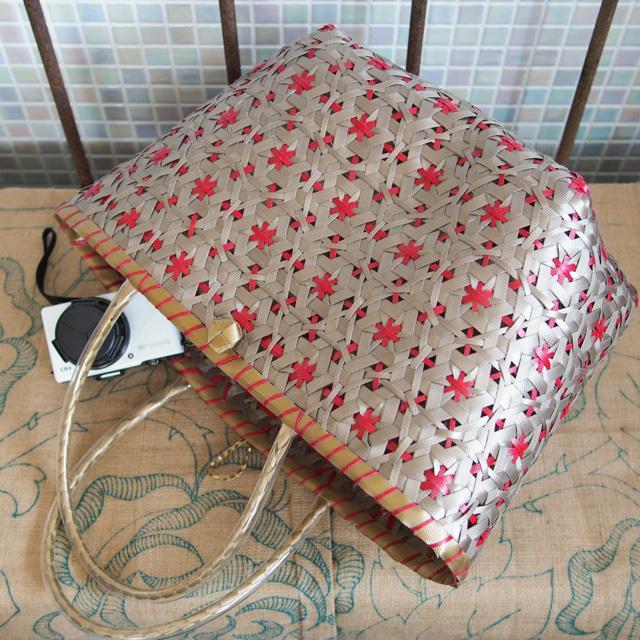 花まる編みのプラかご(金色×赤)