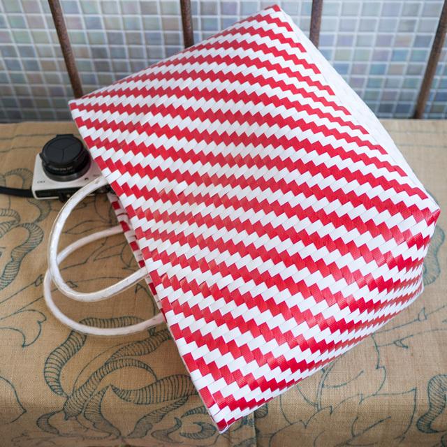 C0355  PPバンドのプラカゴ☆ジグザグ編み  M (白×赤)