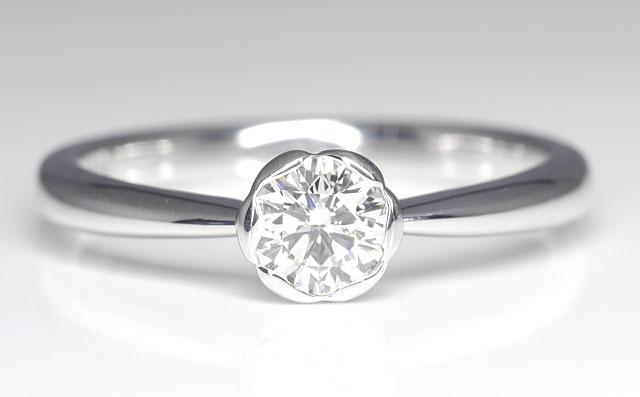 ダイヤモンド リング(指輪) プラチナ900 0.365ct, Hカラー, VS-1, ベリー・グッド (中央宝石研究所) 婚約指輪(エンゲージリング) 【 送料無料 】
