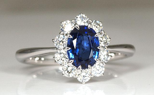 ブルーサファイヤ Pt950 リング(指輪) 英国王室ウィリアム王子,ケンブリッジ公爵夫人(キャサリン妃,ケイトミドルトンさん)ご婚約指輪もサファイア
