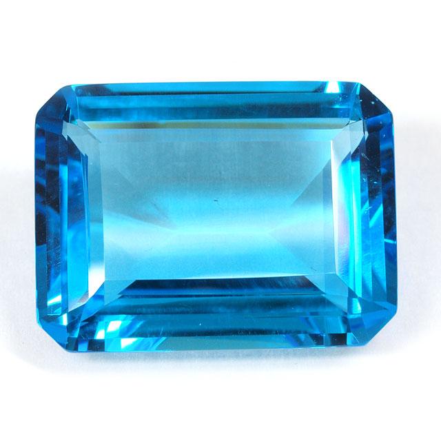 ブルートパーズ ルース 56.627ct 【 エメラルドカットの深いブルーです。9月29日・11月19日誕生日石 11月の誕生石 】 中央宝石研究所宝石ソーティング
