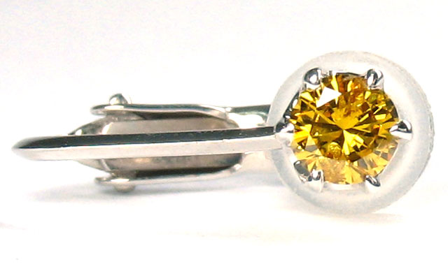 イエローダイヤモンド イヤリング 0.148ct Pt900 片耳用 【 使いやすいネジバネ式です 】