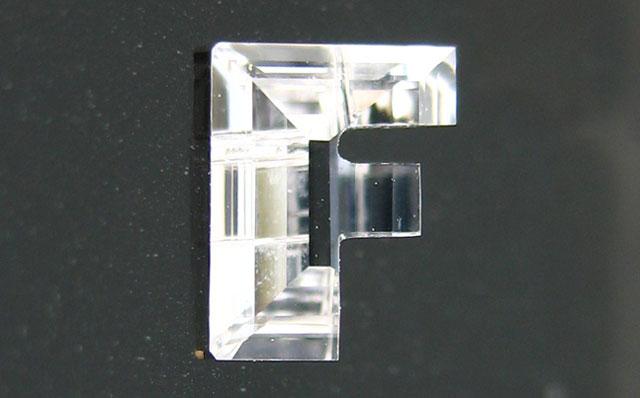 「F」字形ダイヤモンド
