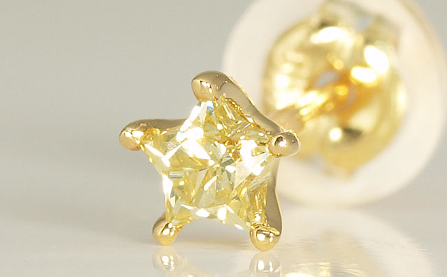 星型イエローダイヤモンド片耳用ピアス
