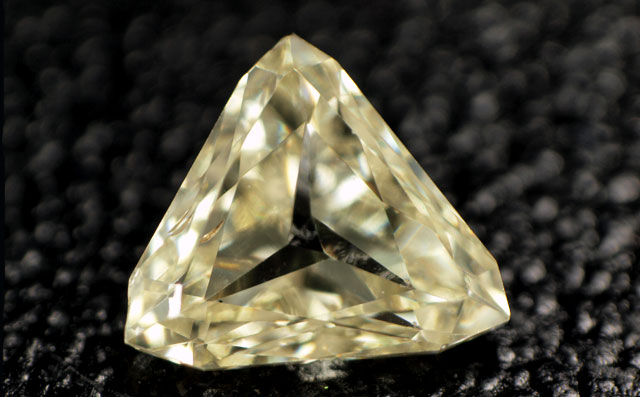 三角形 イエローダイヤモンドルース