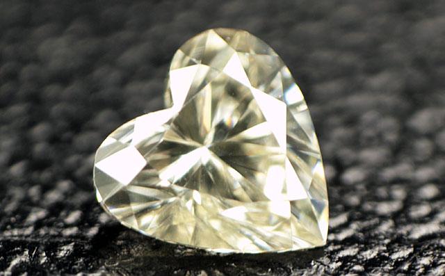 ハートシェイプ ダイヤモンドルース